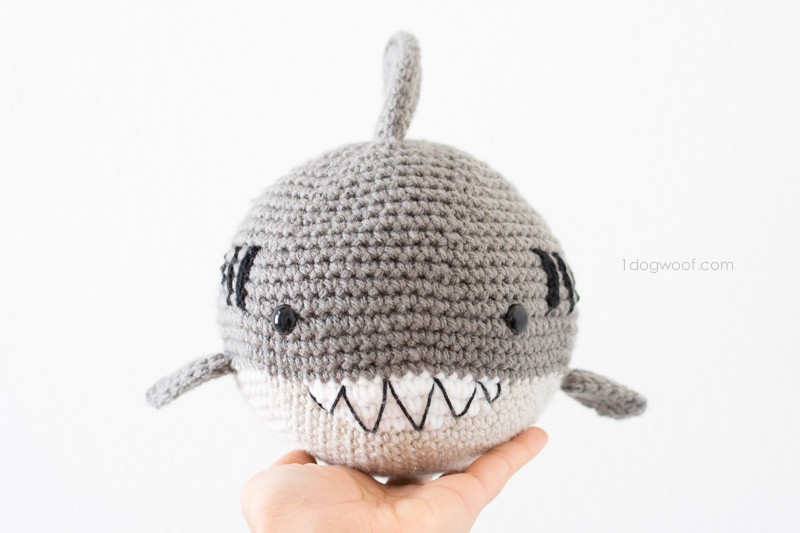 crochet-shark-4