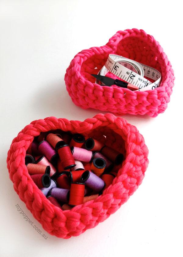 heart-shape-crocheted-baskets-storage